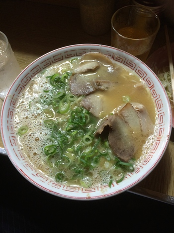 あくまで九州工場見学がメインですが、よく食べました。